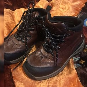 Timberland toddler boys size 10 hiking boots